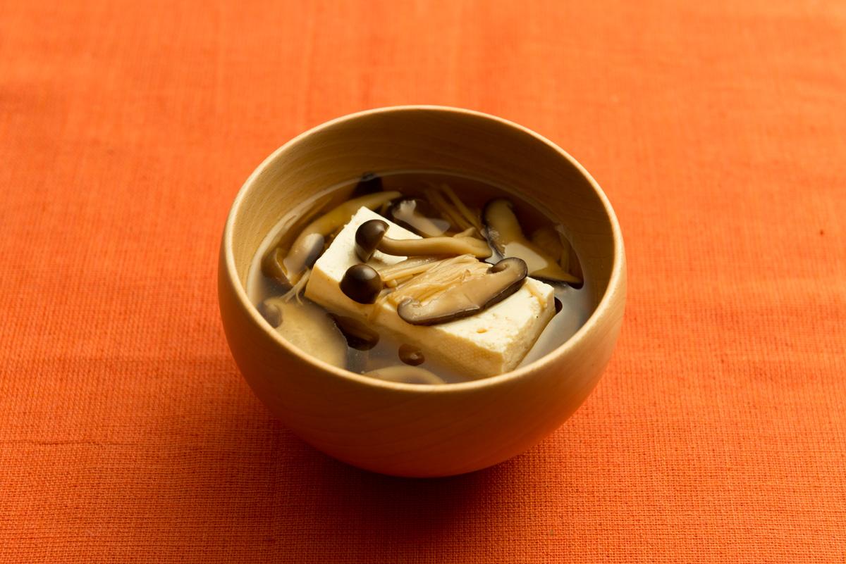 秋の豆腐きのこ汁