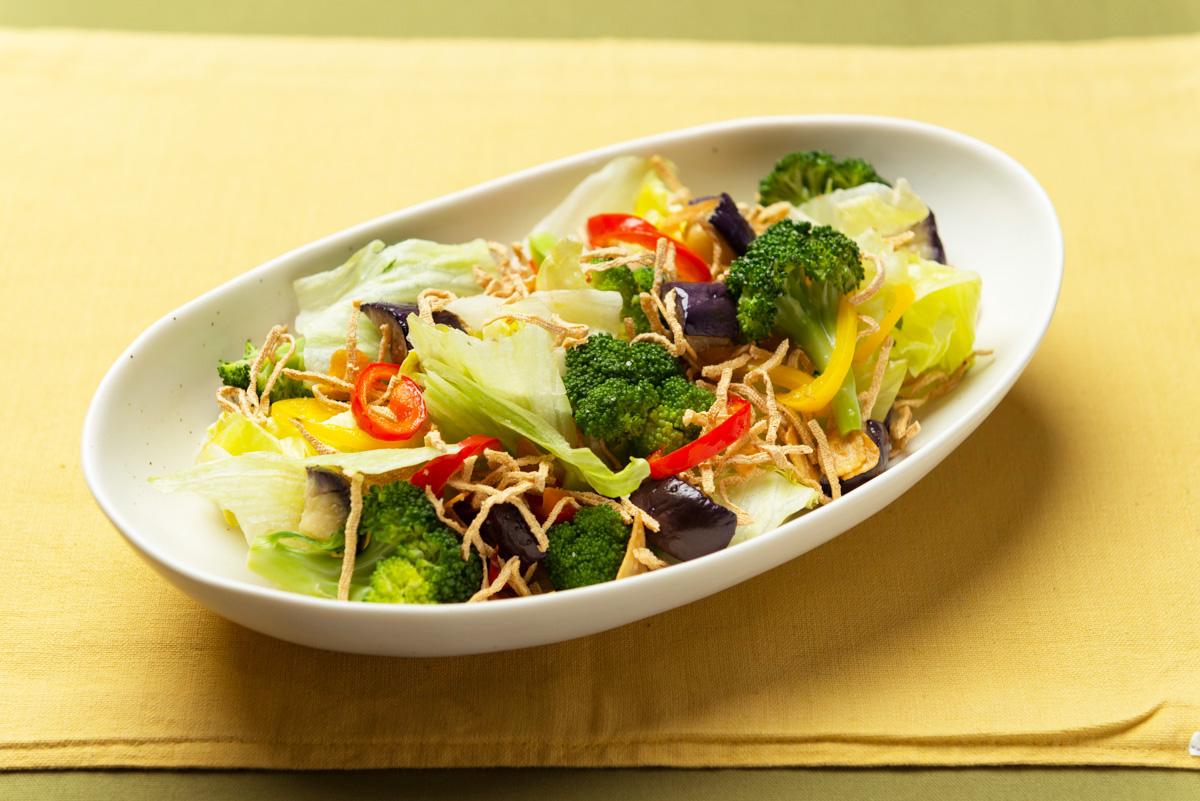 揚げ豆腐麺のサラダ