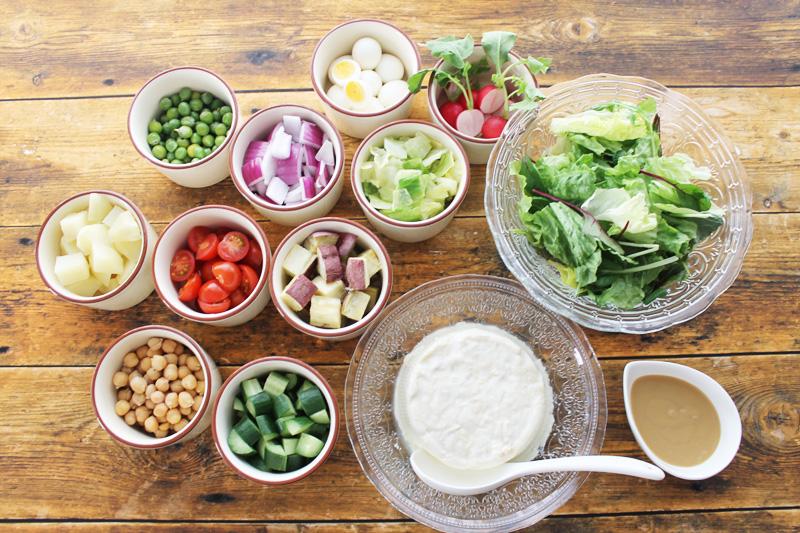 自分で作るサラダ