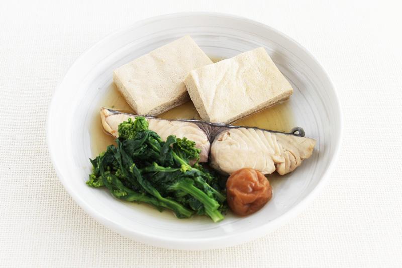 さわらとしみ豆腐の煮物