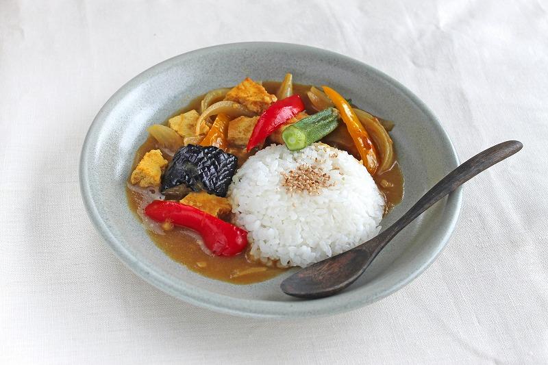 夏野菜と堅しみ豆腐のスープカレー