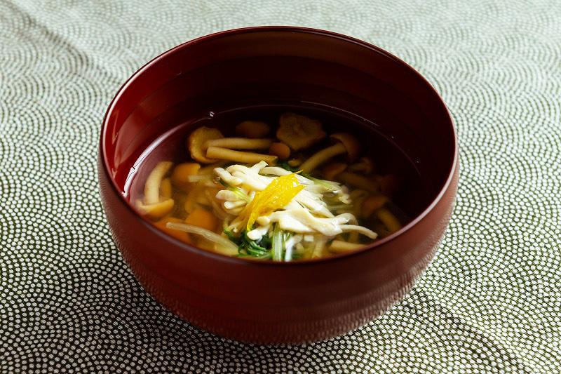 豆干絲(トーカンスー)のなめこ汁