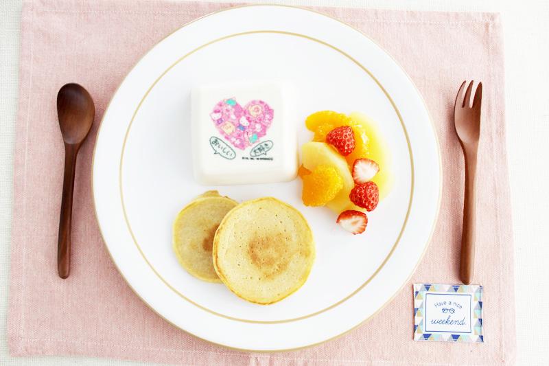 雪美人(ゆきぴりか)のパンケーキ フルーツ添え