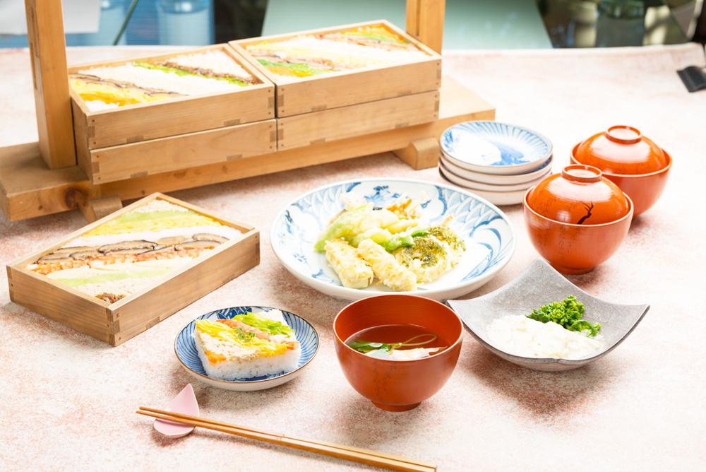 彩り箱寿司
