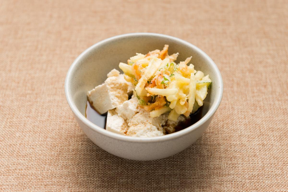 ごちそう豆腐 じゃがいもと桜海老のかきあげのせ